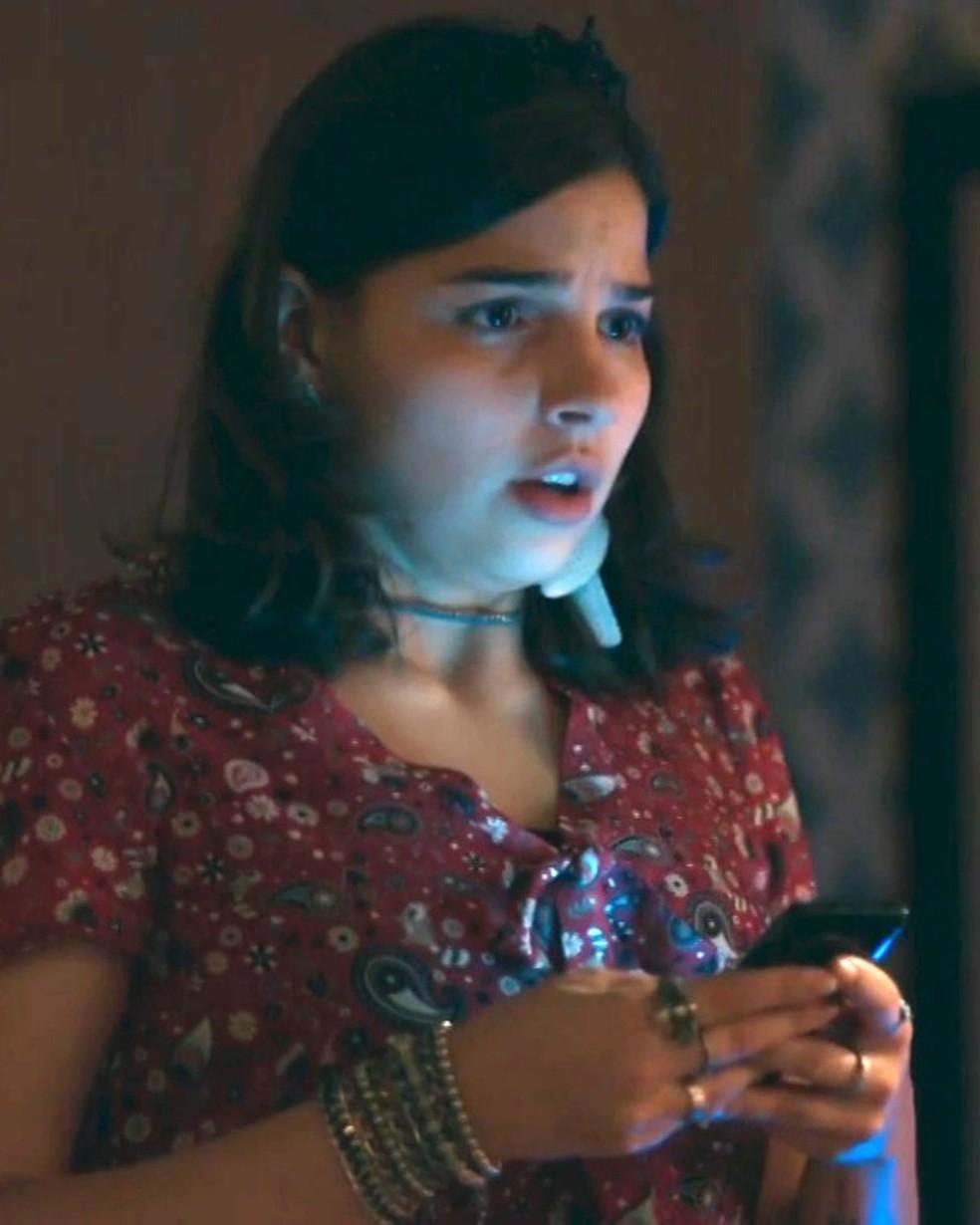 Keyla (Gabriela Medvedovski) decide encontrar Deco (Pablo Morais) — Foto: Globo